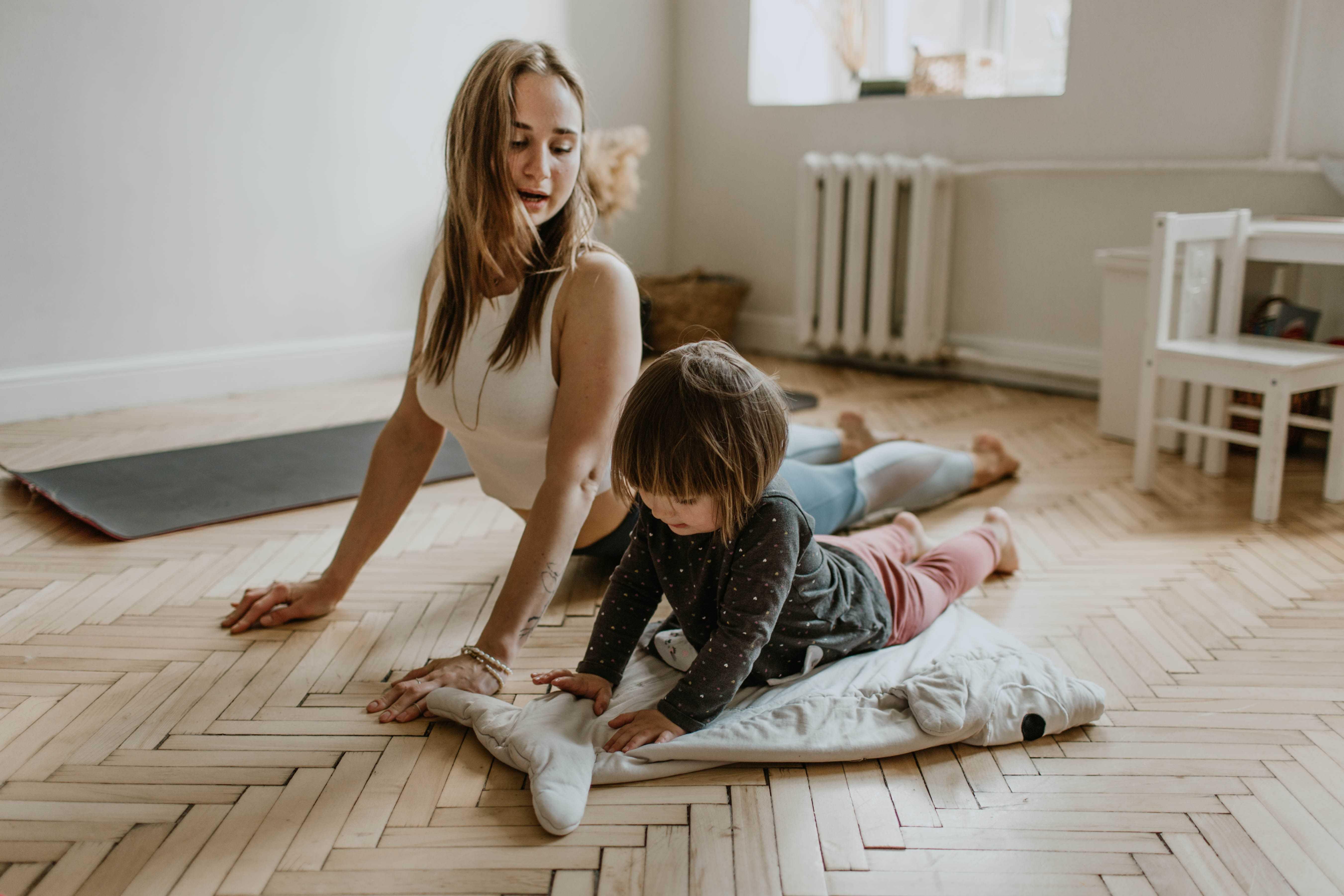 Exercícios físico em casa com a família